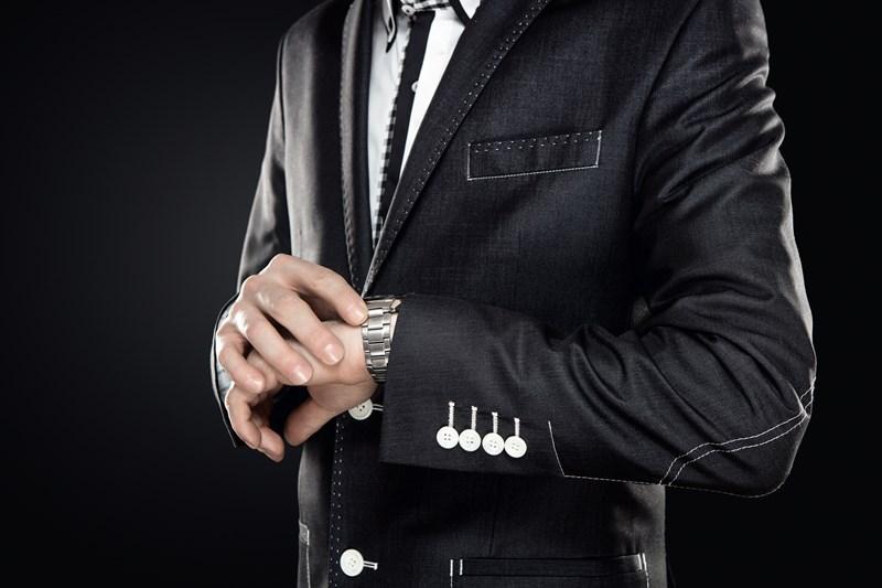 Trouver montre à son poignet